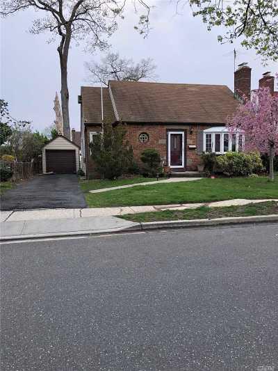 Baldwin Single Family Home For Sale: 1494 Matheron Ave