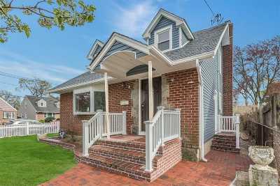 Westbury Single Family Home For Sale: 728 Broadway