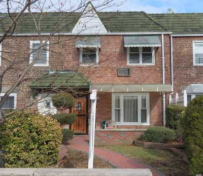 Middle Village Single Family Home For Sale: 60-27 78th St