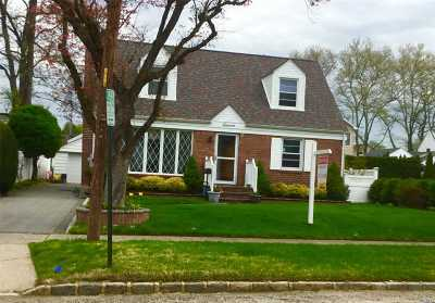 Garden City Single Family Home For Sale: 11 Broadway