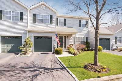 Smithtown Condo/Townhouse For Sale: 12 Monitor Rd