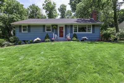 Stony Brook Single Family Home For Sale: 109 Quaker Path