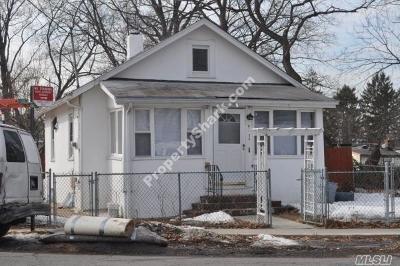 Little Neck Single Family Home For Sale: 42-24 Marathon Pkwy