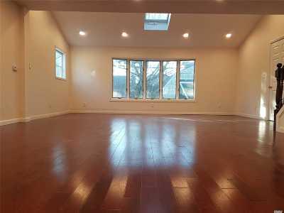 Hicksville Single Family Home For Sale: 40 April Ln