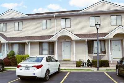 East Meadow Condo/Townhouse For Sale: 1790 Front St #34