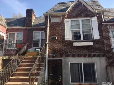 Single Family Home For Sale: 90-16 24 Rd