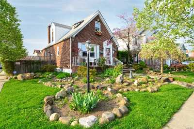 Fresh Meadows Single Family Home For Sale: 182-01 69th Ave.