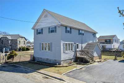 Bellmore Single Family Home For Sale: 127 Kopf Rd