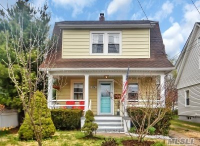 Port Washington Single Family Home For Sale: 17a Irma Ave