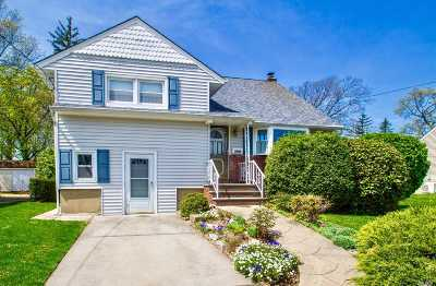 N. Bellmore Single Family Home For Sale: 1032 Barbara Ct