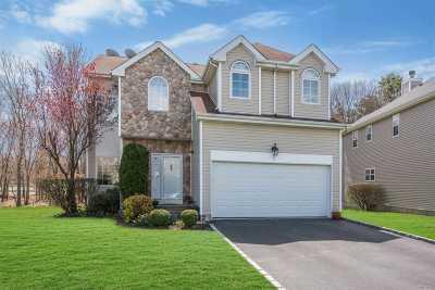S. Setauket Single Family Home For Sale: 31 Sunflower Ridge Rd