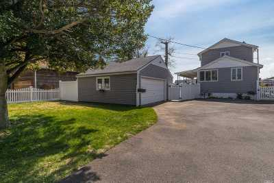 Freeport NY Single Family Home Sold: $412,000