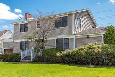 Hewlett Multi Family Home For Sale: 1637 Fenimore Rd