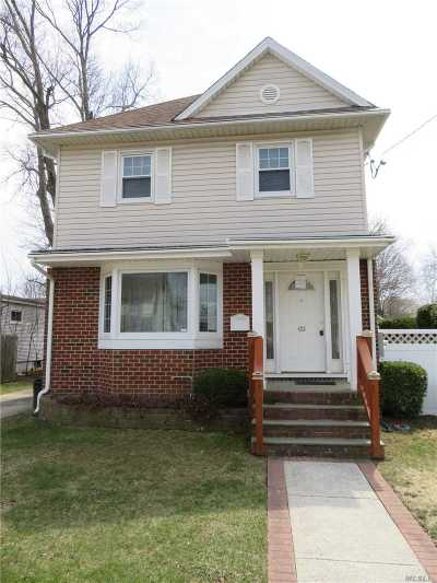 Bellmore Single Family Home For Sale: 423 Linden St