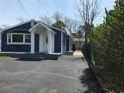 Wyandanch Single Family Home For Sale: 34 Brooklyn Ave
