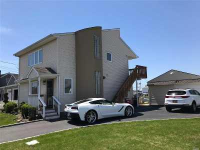 Copiague Single Family Home For Sale: 300 East Dr