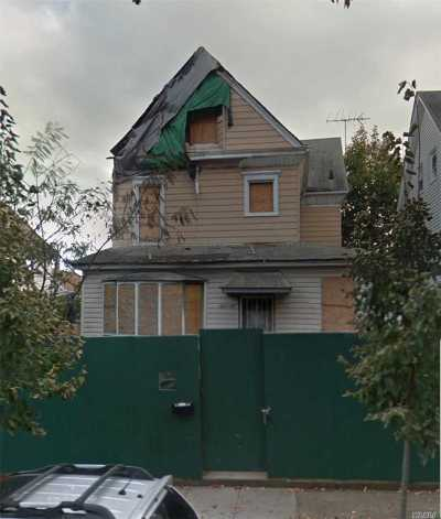 Flushing Multi Family Home For Sale: 149-44 Ash Ave