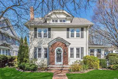Lynbrook Single Family Home For Sale: 18 Grace Ave