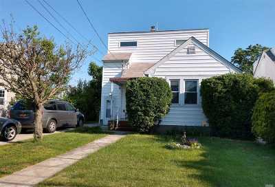 N. Bellmore Single Family Home For Sale: 2377 Elbert Ave