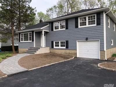 Huntington Single Family Home For Sale: 20 Barclay St