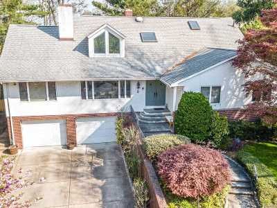 Douglaston Single Family Home For Sale: 9 Melrose Ln