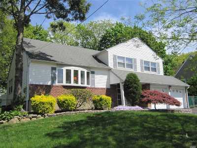Syosset Single Family Home For Sale: 40 Robert Cir