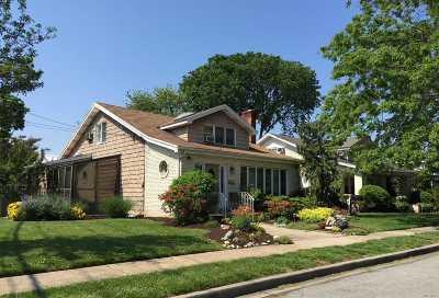 Hewlett Single Family Home For Sale: 1604 Moffitt Ave