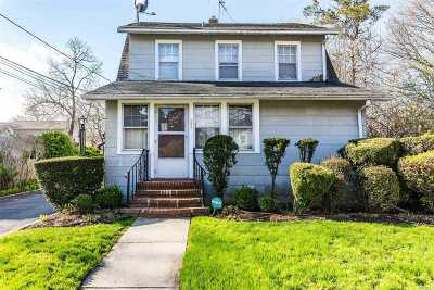 Westbury Single Family Home For Sale: 344 Winthrop St