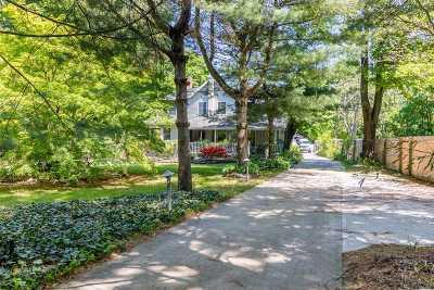 Medford Single Family Home For Sale: 187 Oak St