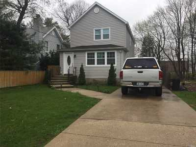 Hicksville Single Family Home For Sale: 7 East Ave