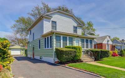 Bellmore Single Family Home For Sale: 2379 Bellmore Ave