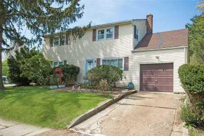 Glen Head Single Family Home For Sale: 66 Nassau Ave