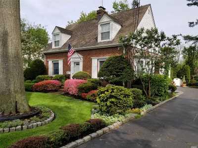 Glen Head Single Family Home For Sale: 10 Sylvia St