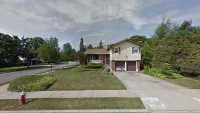 Westbury Single Family Home For Sale: 26 Marshall Ln