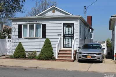 Middle Village Single Family Home For Sale: 82-13 58th Ave