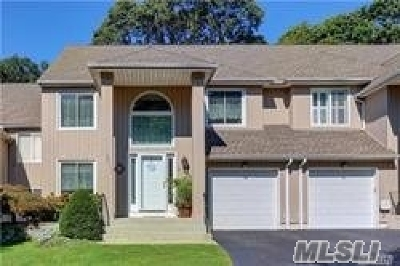 Smithtown Condo/Townhouse For Sale: 9 Stone Gate Ct