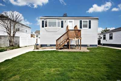 Freeport Single Family Home For Sale: 24 Polk St