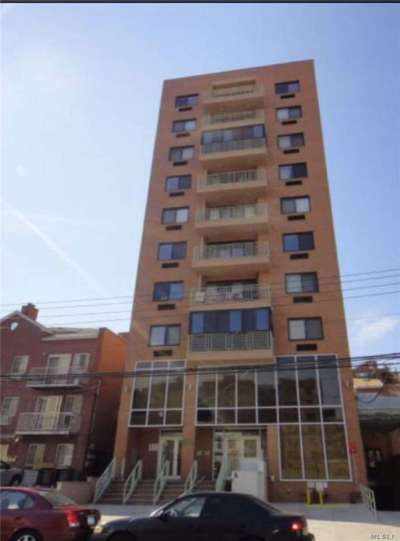 Flushing Condo/Townhouse For Sale: 31-38 137th St #10 A