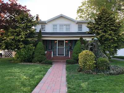 Freeport Single Family Home For Sale: 215 Wallace St