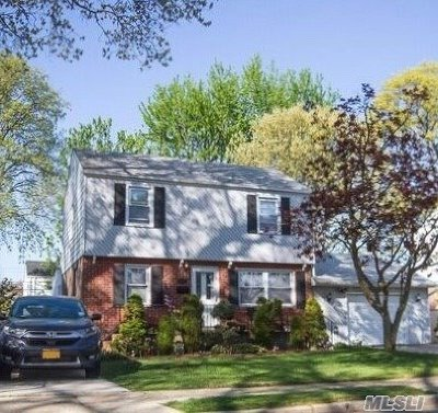 East Meadow Single Family Home For Sale: 2275 2nd St