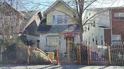 Flushing Single Family Home For Sale: 154-22 Barclay Ave