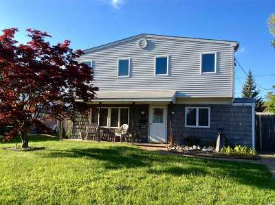 Levittown Single Family Home For Sale: 67 Sycamore Ln