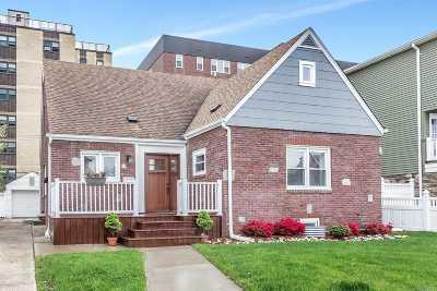 Long Beach NY Single Family Home For Sale: $779,000