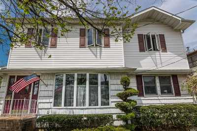 Lynbrook Single Family Home For Sale: 63 Evergreen Ave