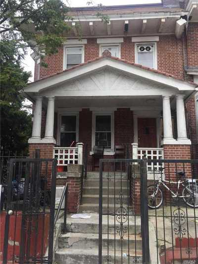 Brooklyn Multi Family Home For Sale: 60 Hendrix St