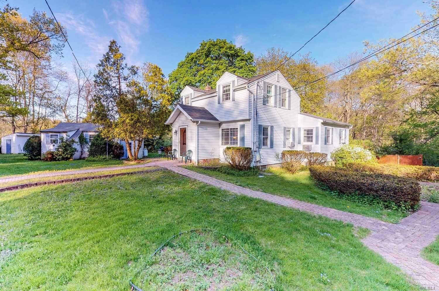 161 Brooksite Dr Smithtown Ny Mls 3029492 Long Island Homes