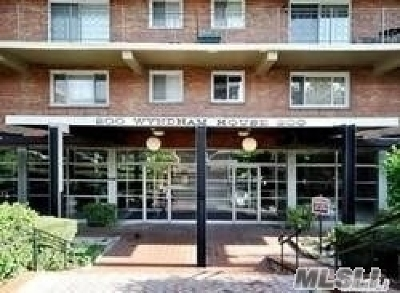 Lynbrook Co-op For Sale: 200 Atalntic #313