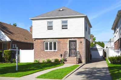 Fresh Meadows Single Family Home For Sale: 56-39 186 St