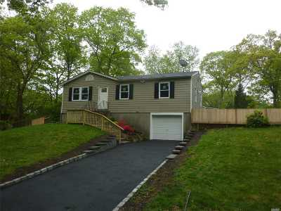 Sound Beach Single Family Home For Sale: 10 Parkside Rd