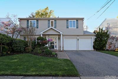 Merrick Single Family Home For Sale: 2988 Cheryl Rd